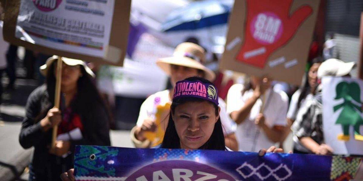 Marchan para conmemorar el Día Internacional de la Mujer