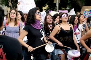 Marchan mujeres en Guadalajara contra la violencia de género