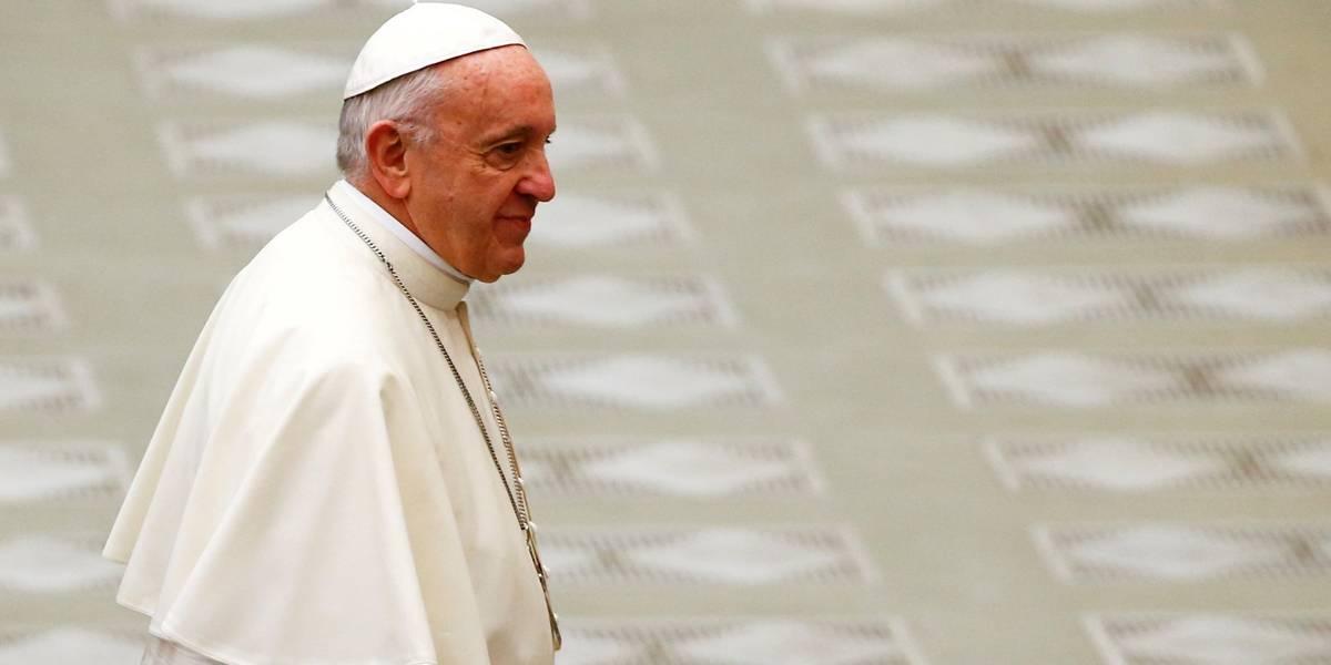 Papa faz agradecimento às mulheres por papel na sociedade
