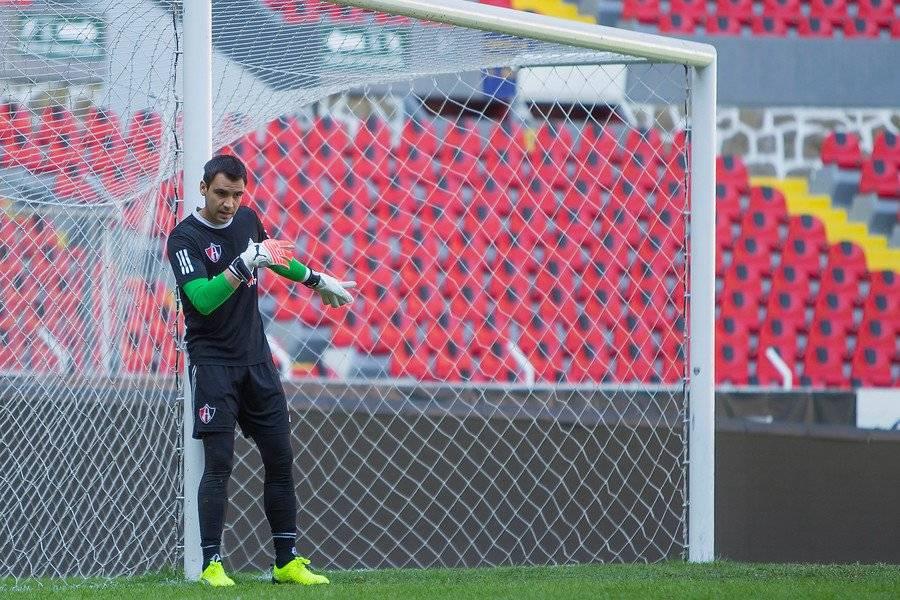 Toselli sumó una buena cantidad de minutos, pero perdió la titularidad en un complicado Atlas / Foto: Photosport
