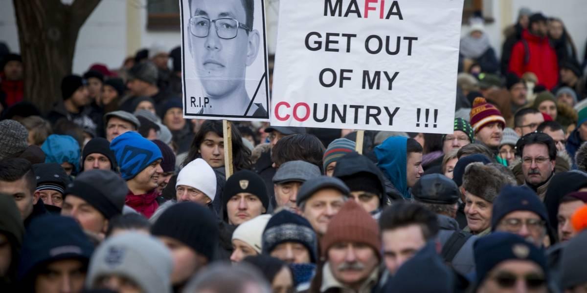Eslovacos exigen investigación de asesinato de periodista