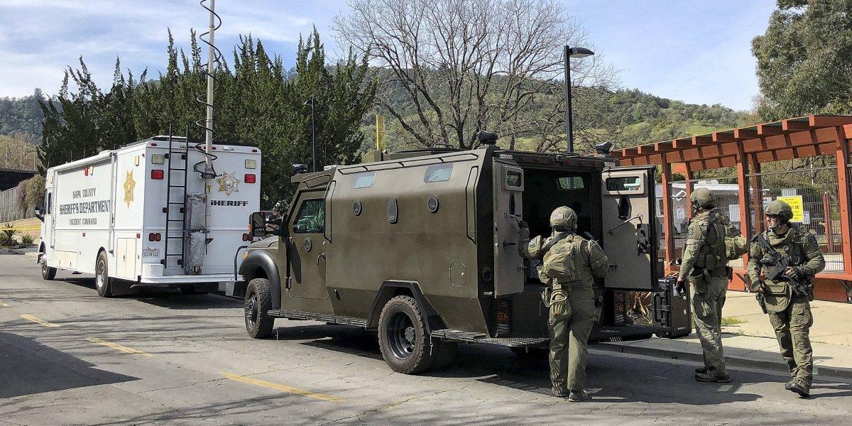 Reportan tiroteo y toma de rehenes en asilo para veteranos en California