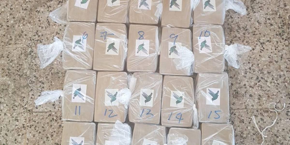 Contabilizan 546 kilos de cocaína en lancha interceptada en el Pacífico