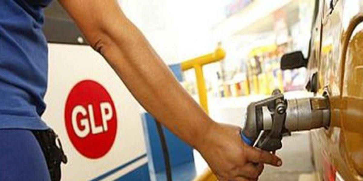 Los combustibles bajan de precio por octava semana consecutiva