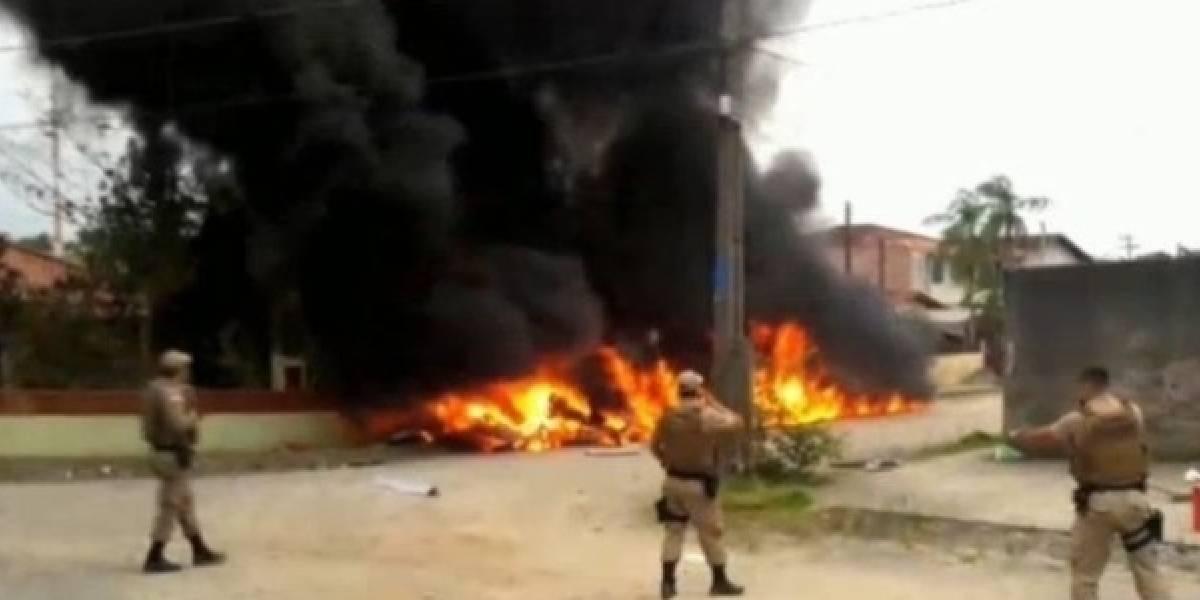 3 pessoas morrem após queda e explosão de helicóptero em Joinville