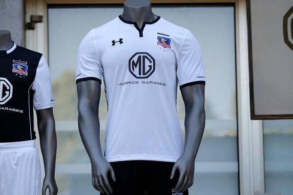 La camiseta de Colo Colo estrenará auspiciador en el brazo izquierdo / imagen: Photosport