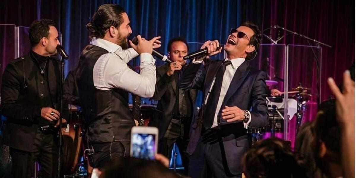 Maluma y Marc Anthony se comen a besos en pleno concierto