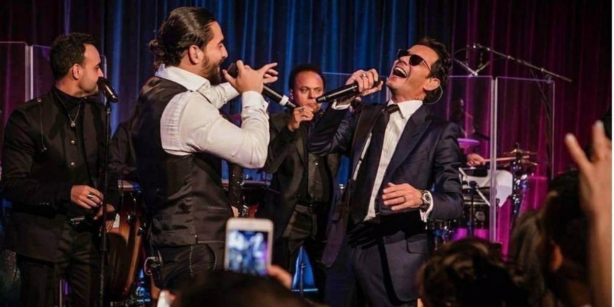 Maluma é beijado por Marc Anthony em pleno show e vídeo causa polêmica