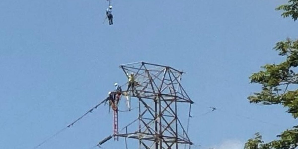 La AEE espera restablecer el servicio eléctrico al 98% para mañana