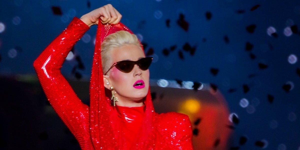 ¿Se habrá enojado? El peculiar regalo de una fan a Katy Perry en el Día Internacional de la Mujer