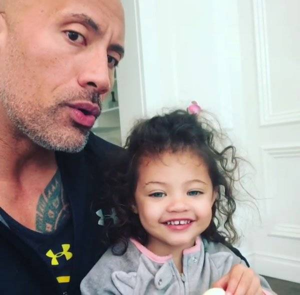The Rock e a filha, Jasmine