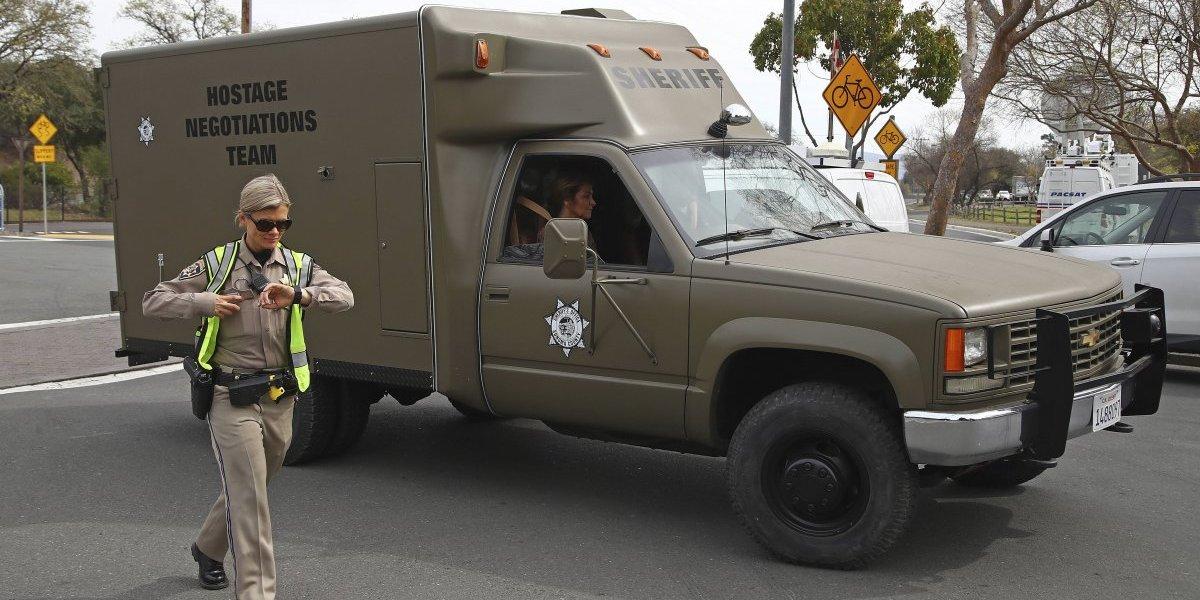 Trágico final en California: hombre armado y 3 rehenes mueren en hogar para veteranos de guerra