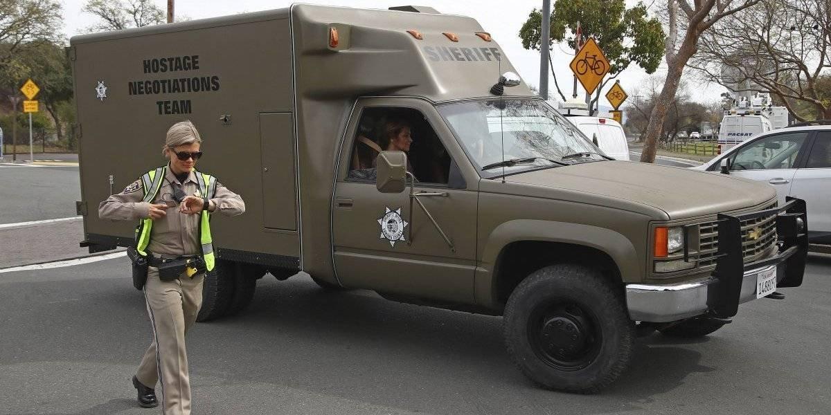 Hombre armado y 3 rehenes mueren en hogar para veteranos de guerra en EE.UU
