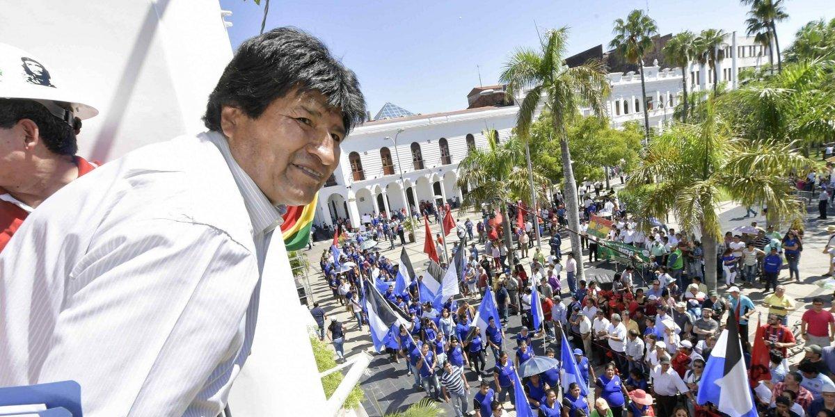 """Evo Morales llegará en la tarde después del """"banderazo"""" por la demanda marítima"""
