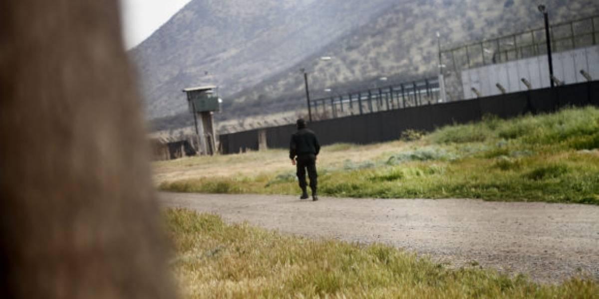 Abogado de internos de Punta Peuco asegura que Bachelet firmó decreto que cerrará el penal