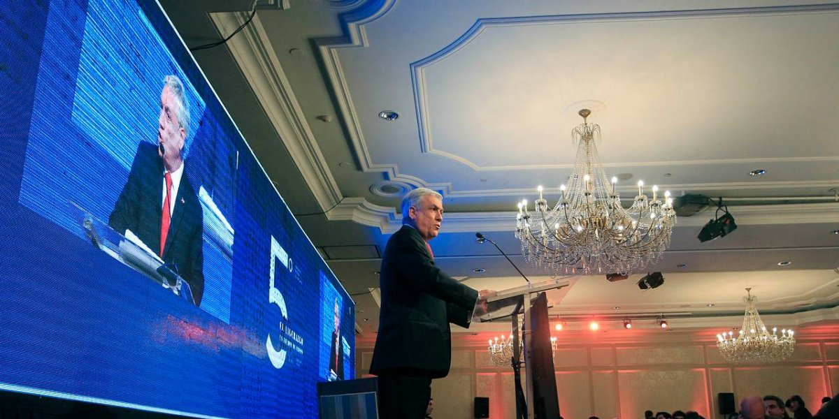 Influencia sobre las personas: Sólo cuatro ministros de Piñera figuran en el famoso ranking Klout