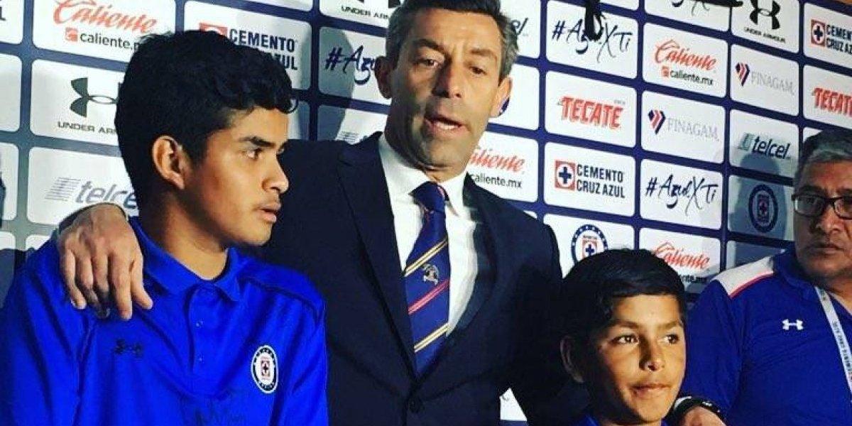 Enzo Roco carga con todo contra afición de Cruz Azul — LIGA MX