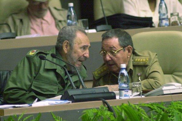 Fidel Castro y Raúl Castro, los últimos gobernantes de Cuba desde el inicio de la Revolución Cubana