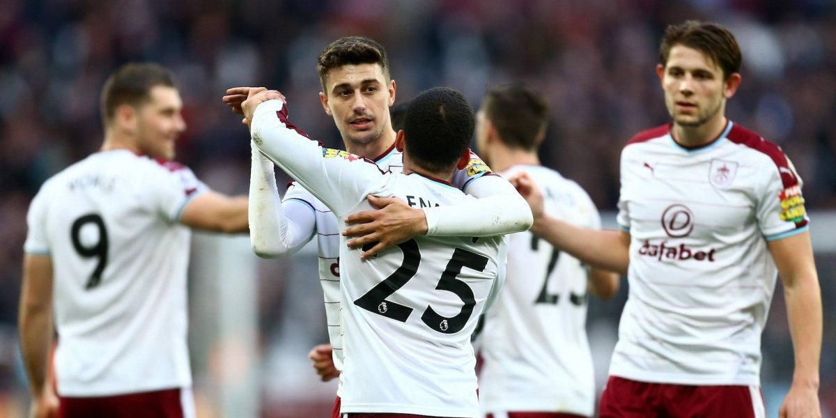 West Ham se hunde con 'Chicharito'