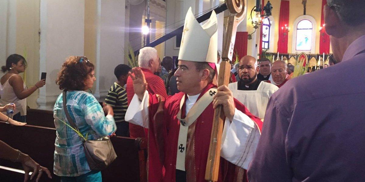 """Arzobispo quiere """"darle reposo"""" a controversia sobre deuda a pensiones de maestros"""