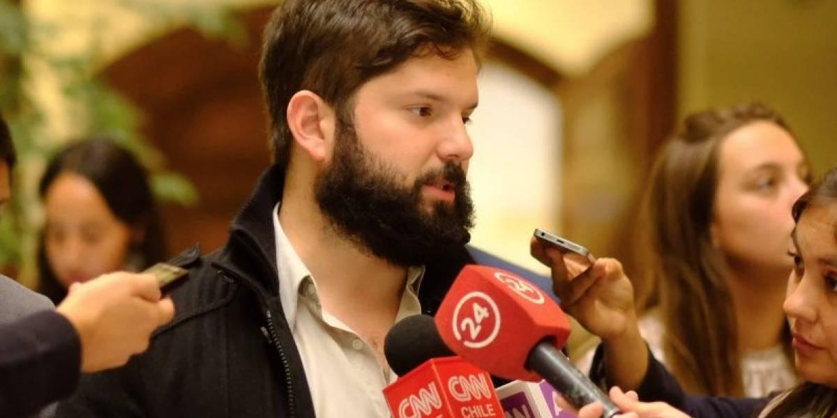 """""""Estamos tristes"""": el """"puchero"""" de Boric tras asumir la presidencia Sebastián Piñera"""