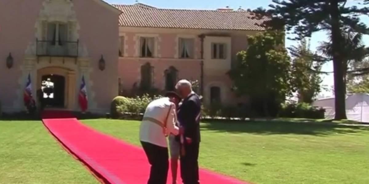 """No se demoró absolutamente nada: Piñera protagoniza su primera """"piñericosa"""" como Presidente a minutos del cambio de mando"""