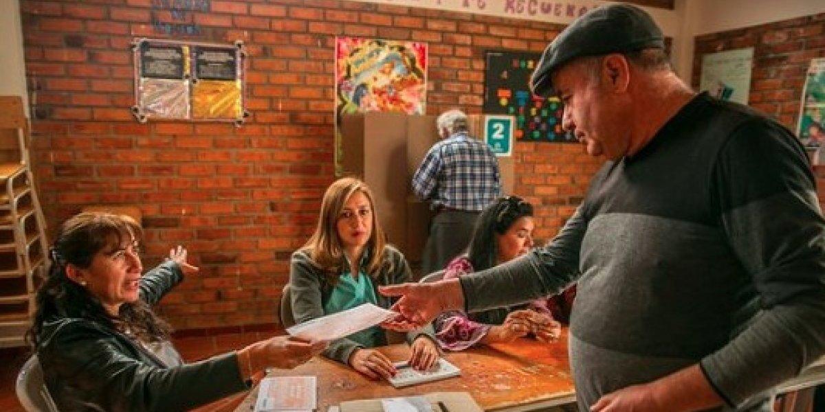 Insólito pero cierto: Ante ausencia de papeletas autorizan votar con fotocopias en Colombia