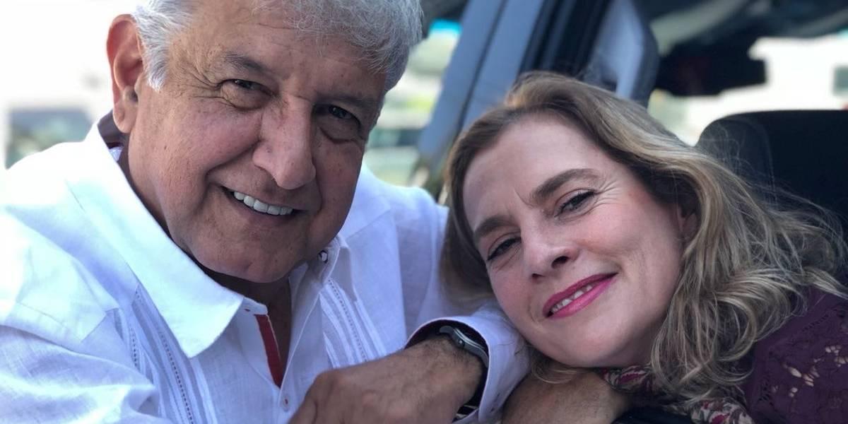 López Obrador deja a un lado su campaña para 'echar novio'