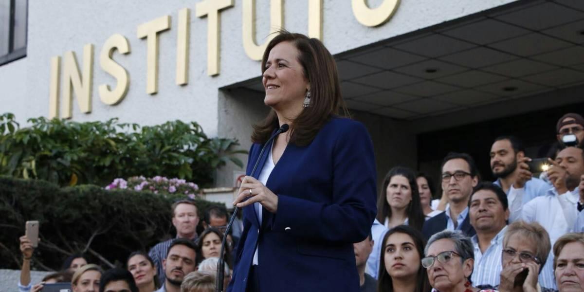 Zavala se registra ante el INE; renuncia al financiamiento público