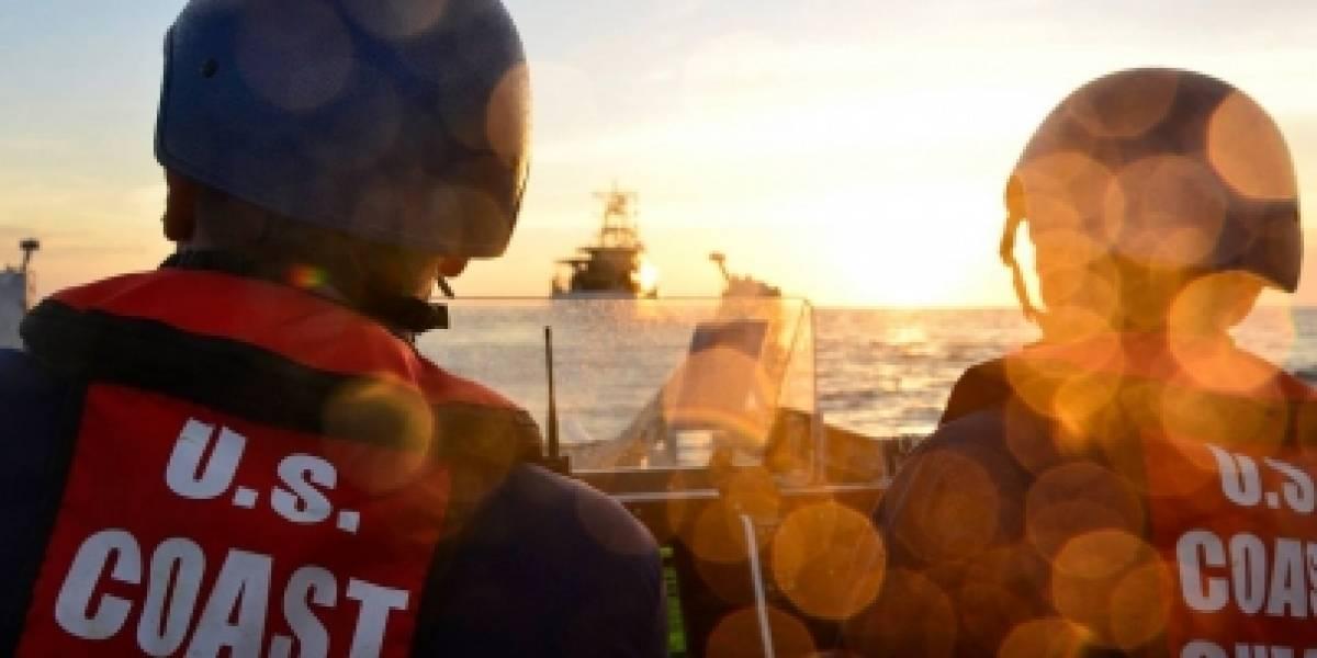 Autoridades de EU arrestan a 13 indocumentados en embarcación
