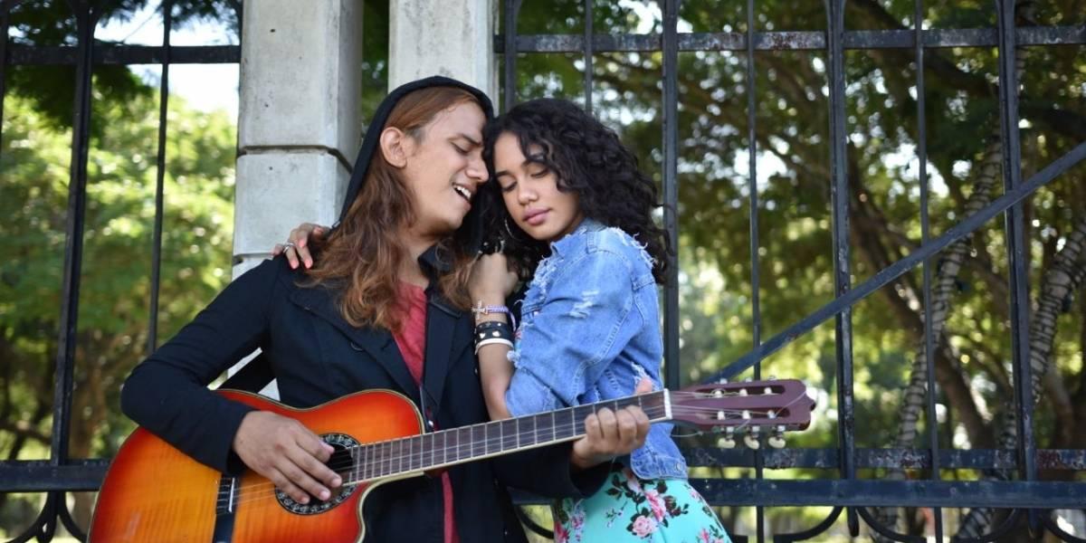 """Tu blusa es mi bandera"" reúne talento domínico -venezolano"