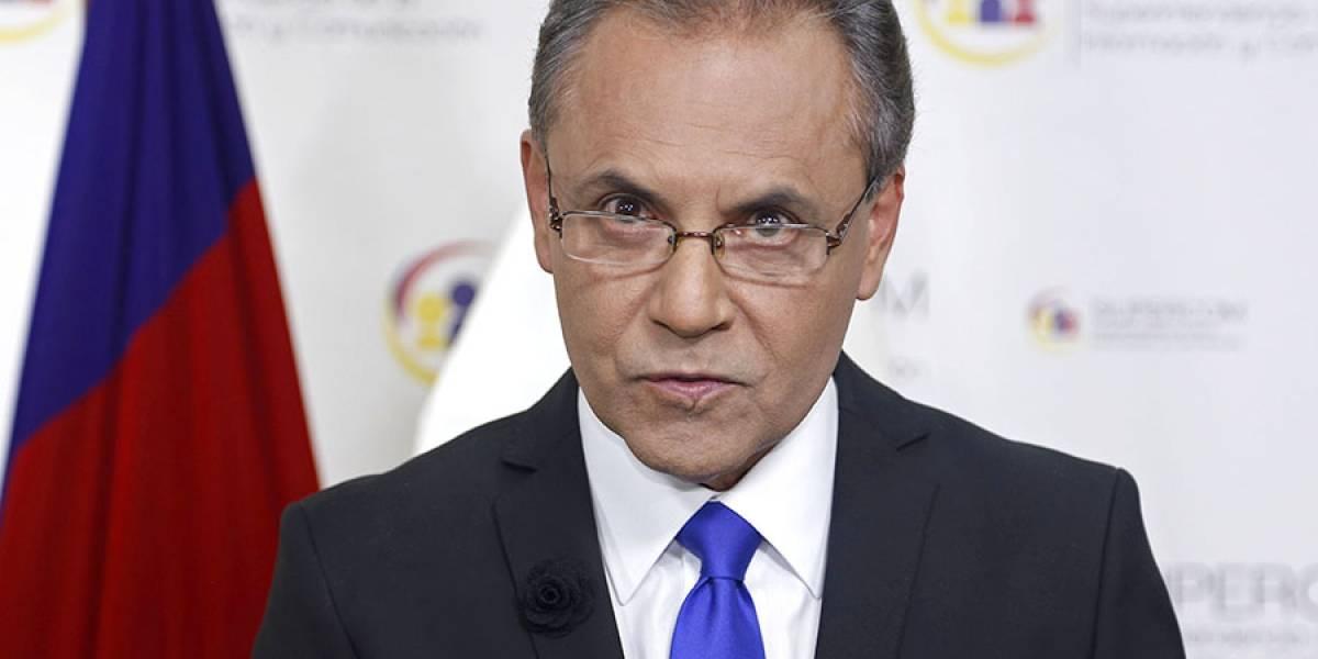 ¿Carlos Ochoa abusó de sus poderes?