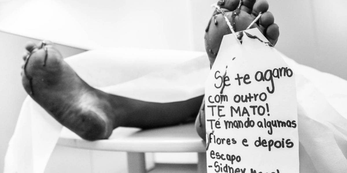 'Se te agarro com outro, te mato': campanha denuncia violência contra a mulher na música