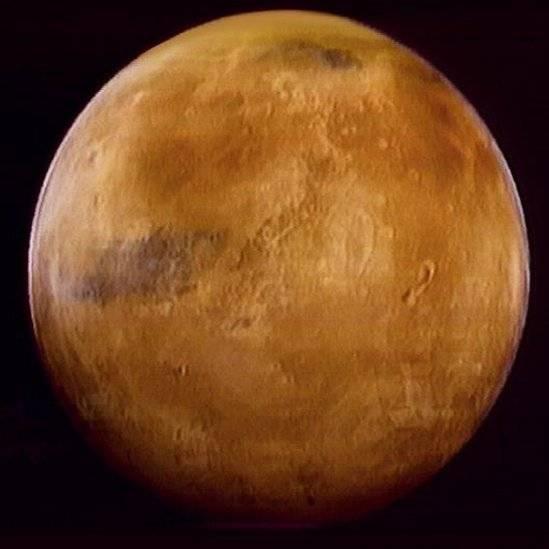 Musk pretende lançar missão tripulada a Marte