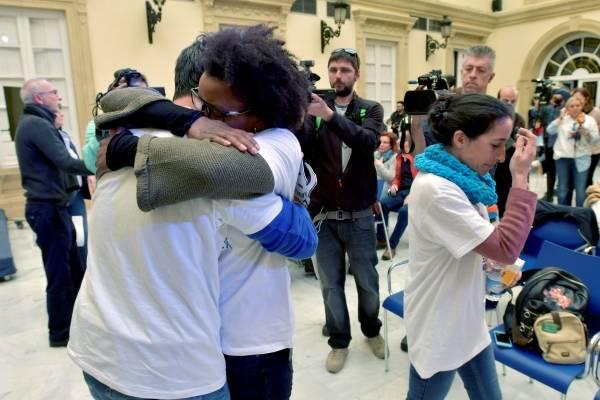 Crece el nerviosismo en Austin tras dos paquetes explosivos — Texas