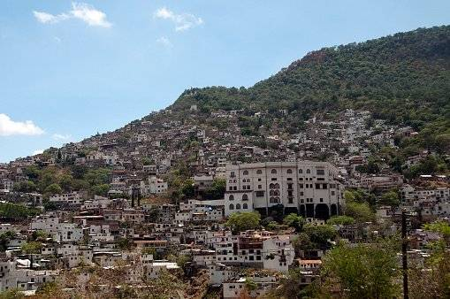Guerrero: Dos muertos tras tiroteo en fiesta de quinceañera en México