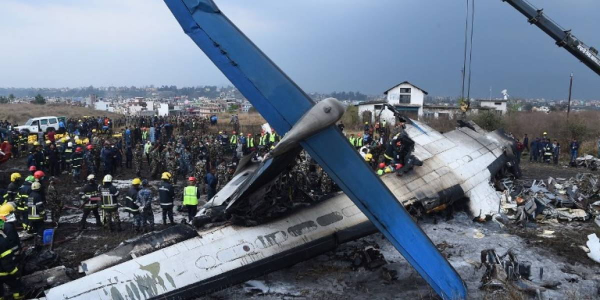 Accidente de avión en Nepal deja al menos 40 muertos