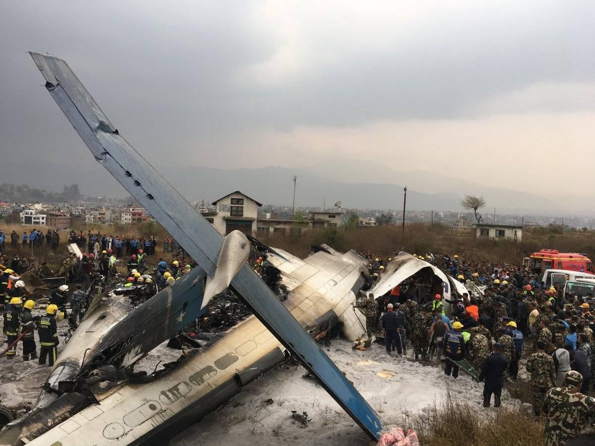 Avión se estrelló en Nepal AP
