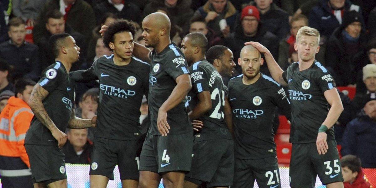 Manchester City comienza a acariciar el título en la Premier League gracias a un doblete de David Silva