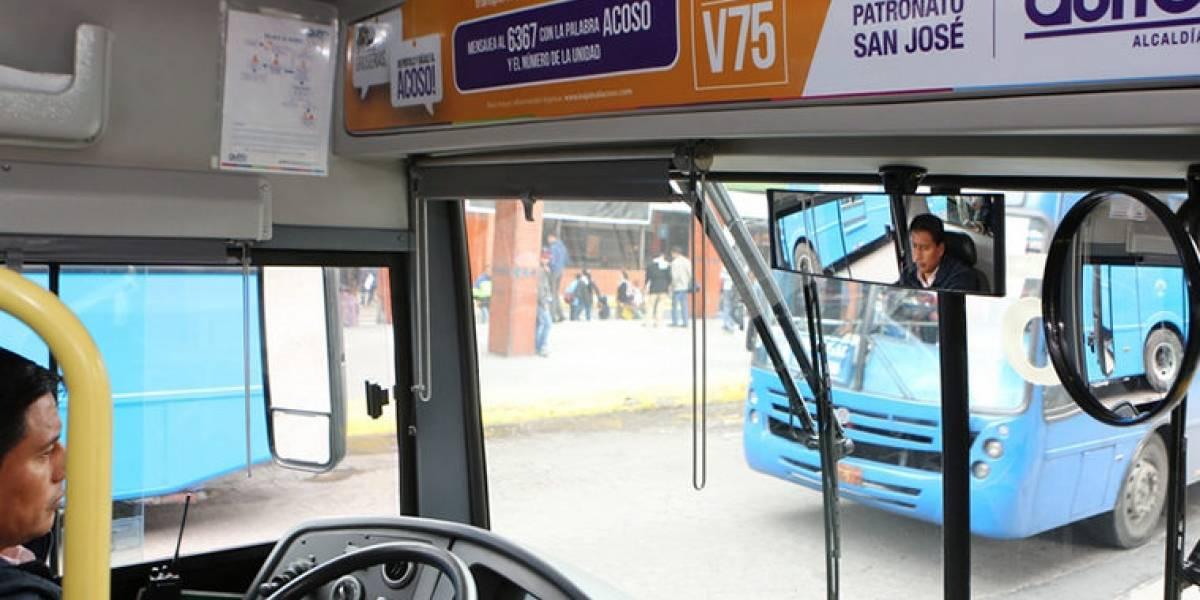 """""""Bájale al acoso"""" reportó 1.234 denuncias en transporte público en Quito"""