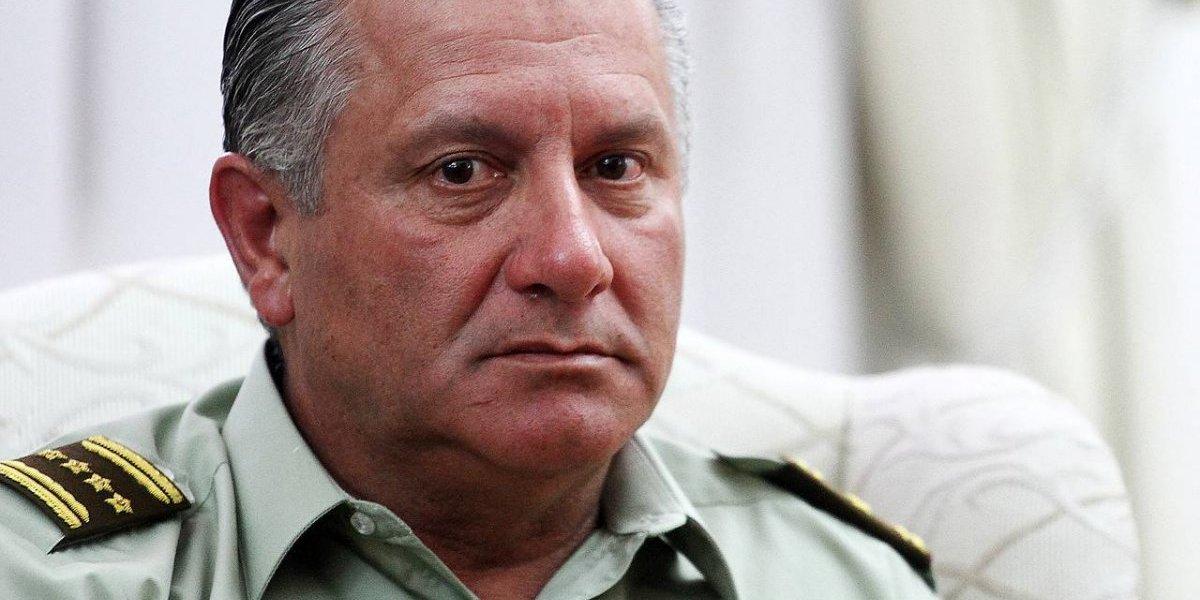 """Bruno Villalobos tras su renuncia a Carabineros culpa a la prensa de difundir """"informaciones falsas"""" en """"Operación Huracán"""""""