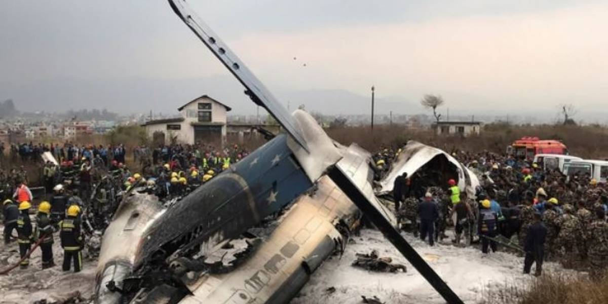 Al menos 49 muertos en accidente de avión en Katmandú