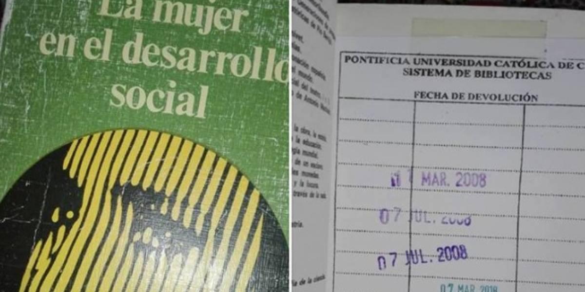No todos los héroes usan capa: encontró libro en Ecuador y lo trajo a Chile para evitar que multaran en la biblioteca a quien lo perdió