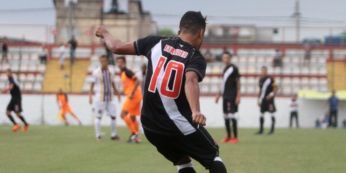 Armando Cooper convocado para Copa Libertadores