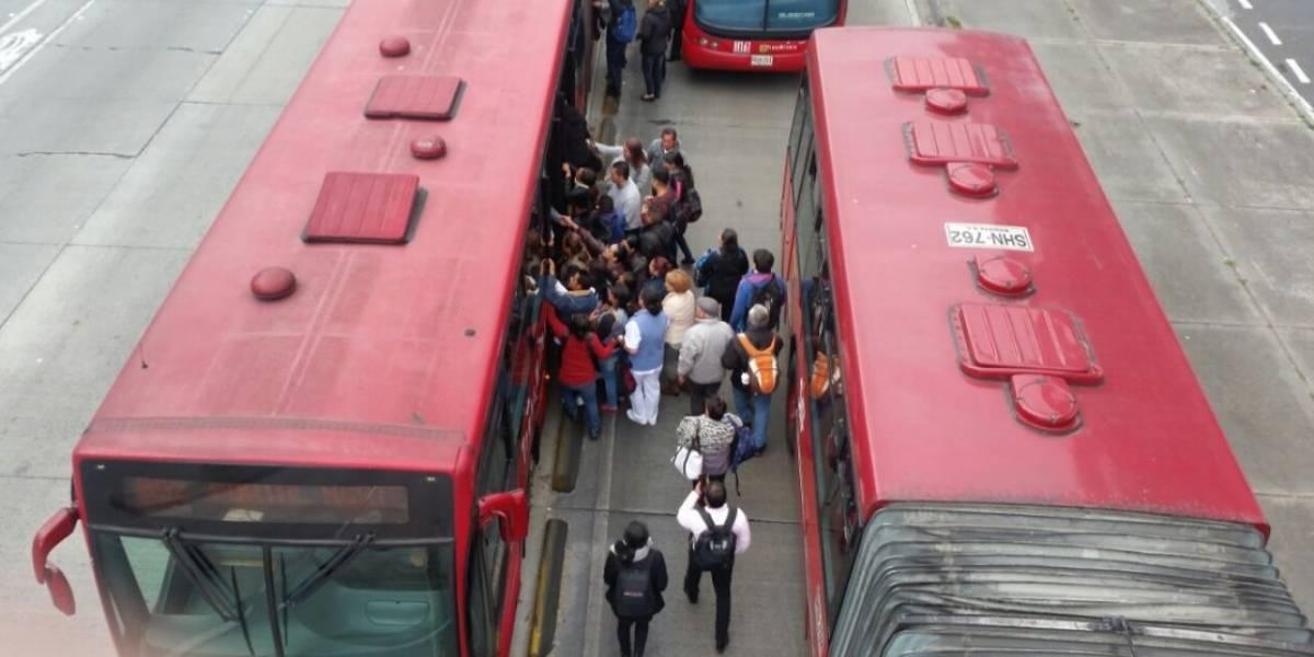 Monumental trancón en la calle 100 por TransMilenio varado
