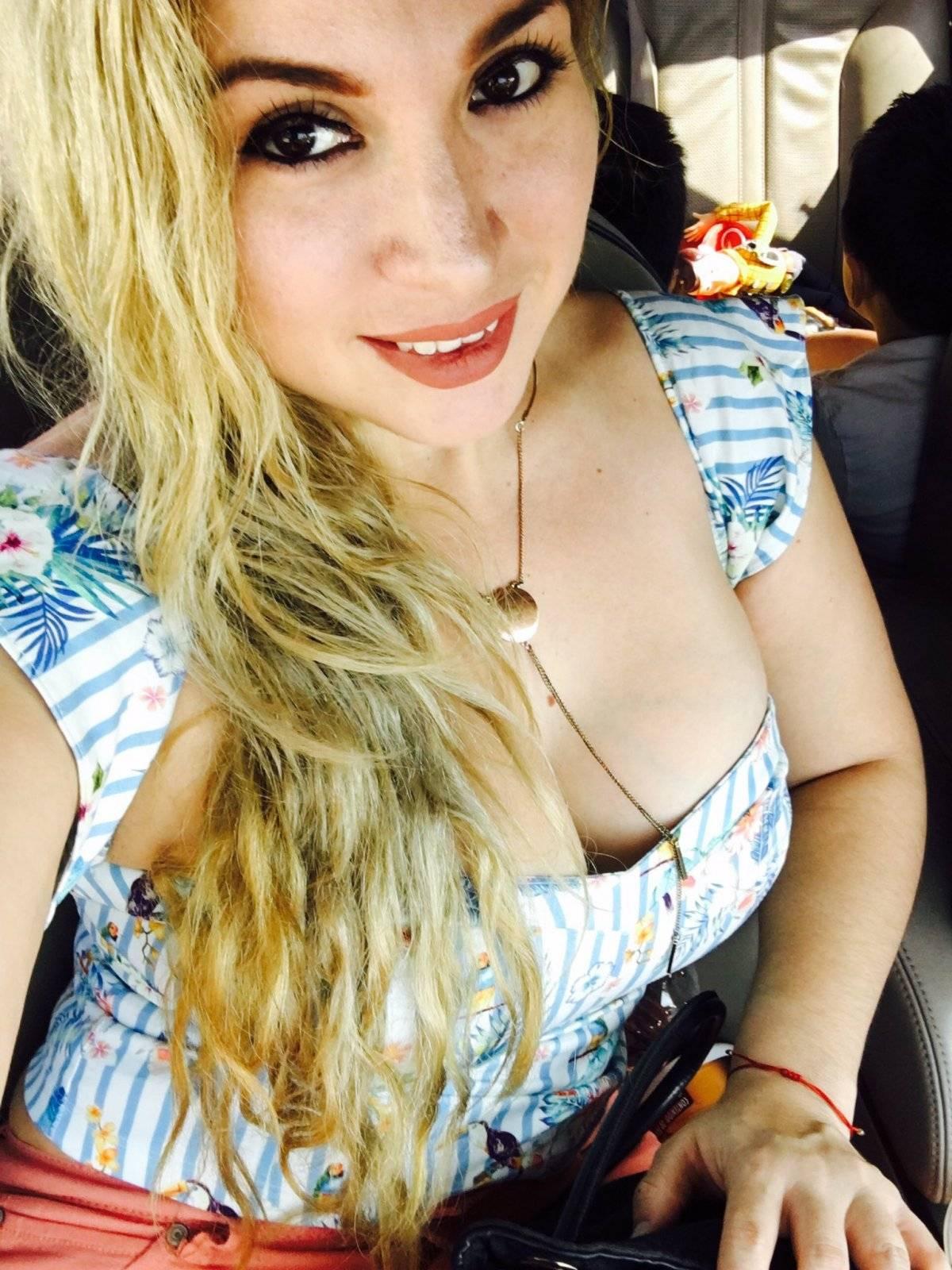 Twitter: @Mariah_Rush22