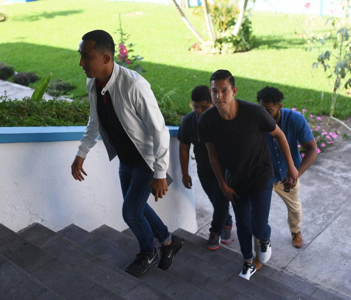 Wilfred Velásquez y Jonathan López a su llegada a la Fedefut.