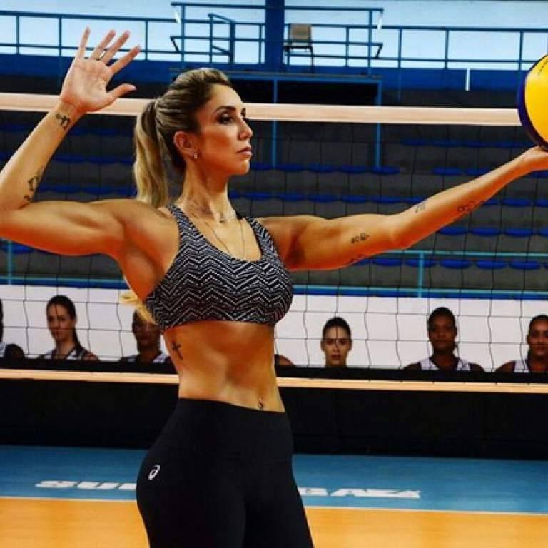 Mede 1,96 metros e suas medições são 96-65-110, o que a tornou uma celebridade no Brasil. Reprodução/Instagram