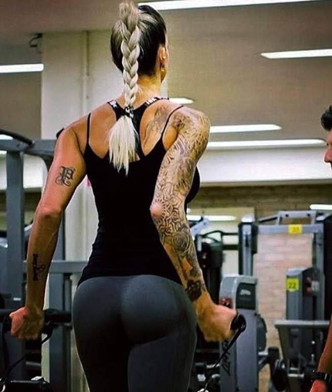Thaísa passa horas no ginásio para ter esse corpo espetacular Reprodução/Instagram