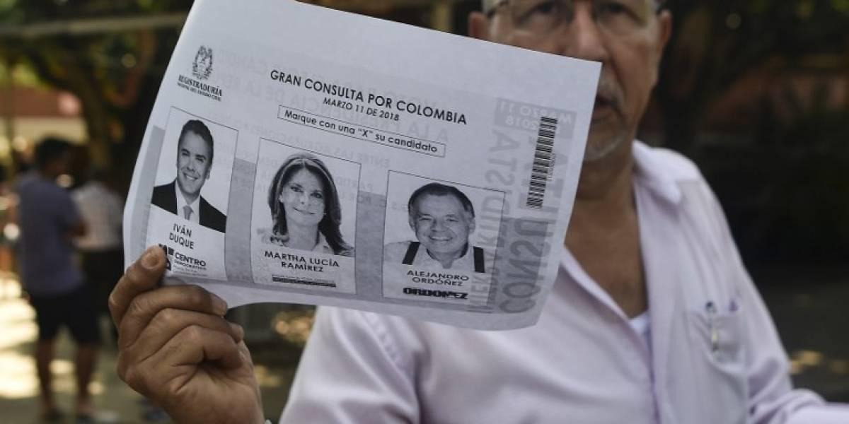 """""""Parece un programa cómico"""", dice Maduro burlándose de elecciones en Colombia"""